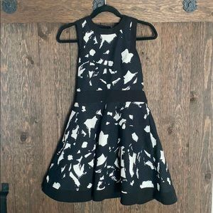 Black and White Banana Republic Dress size 0